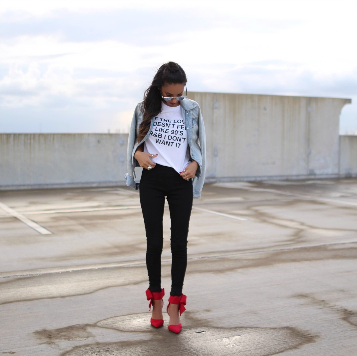 90's R&B graphic tee with choker and bow heels